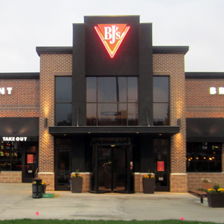 Fairlawn, Ohio Location - BJ's Restaurant & Brewhouse