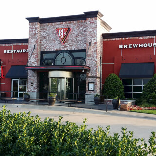 Arlington, Texas Location - BJ's Restaurant & Brewhouse