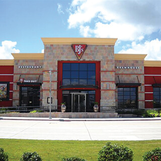 Pearland, Texas Location - BJ's Restaurant & Brewhouse