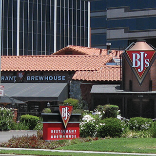 Woodland Hills, California Location - BJ's Restaurant & Brewhouse
