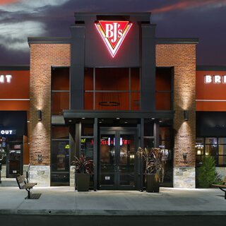 Valley Stream, New York Location - BJ's Restaurant & Brewhouse