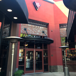 Valencia California Location Bj S Restaurant Brewhouse