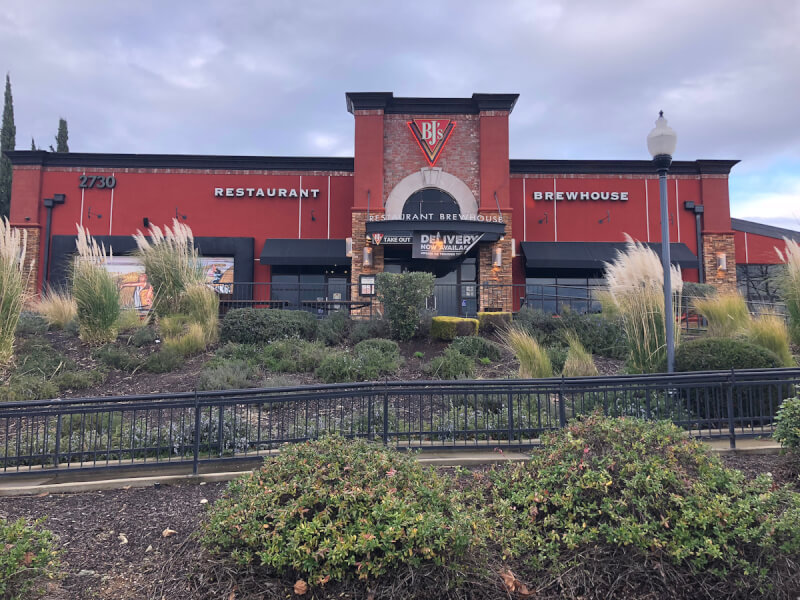 Folsom, California Location - BJ's Restaurant & Brewhouse
