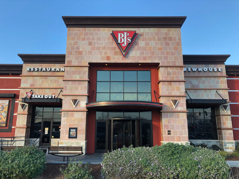 Brentwood, California Location - BJ's Restaurant & Brewhouse