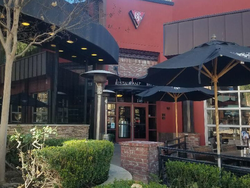 Burbank, California Location - BJ's Restaurant & Brewhouse