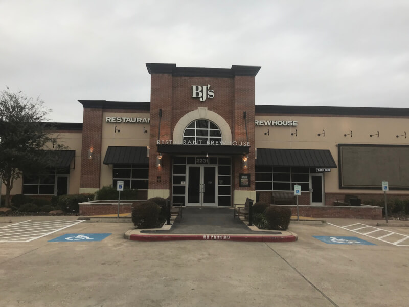 Sugarland, Texas Location - BJ's Restaurant & Brewhouse