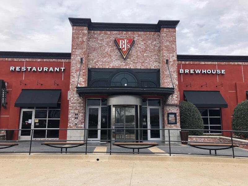 Arlington, Texas Location - BJ's Restaurant & Brewhouse