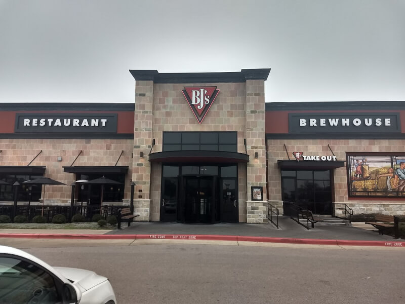 Austin, Texas Location - BJ's Restaurant & Brewhouse