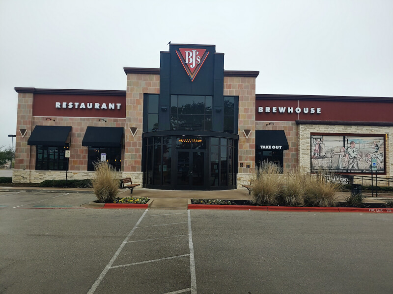 Cedarpark, Texas Location - BJ's Restaurant & Brewhouse