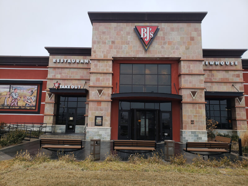 Wichita, Kansas Location - BJ's Restaurant & Brewhouse