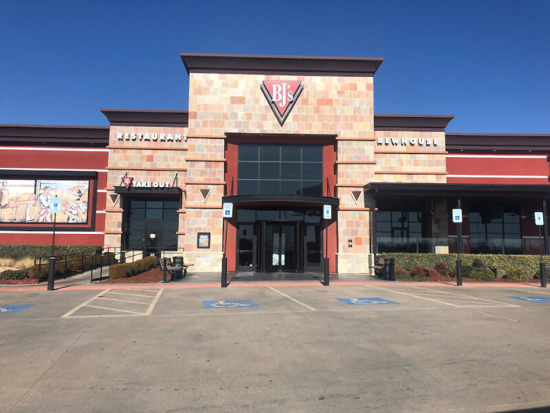Oklahoma City Outlets, Oklahoma Location - BJ's Restaurant & Brewhouse