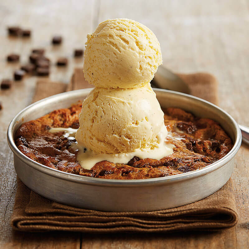 Cookies 4 Kids - Chocolate Chunk Pizookie Cookie Dessert - BJ's Restaurant & Brewhouse